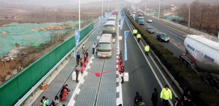 Primera Carretera Solar en China.